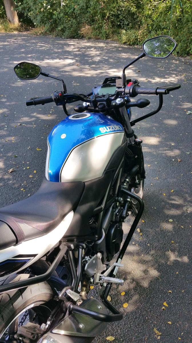 Suzuki - 645 ccm, 48 PS, 35 kW